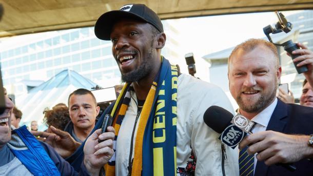 Rekordmeni Usain Bolt mbërrin në Australi si futbollist | TRT  Shqip