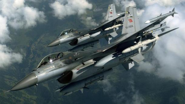 Avionët turq neutralizuan 5 terroristë në veri të Irakut | TRT  Shqip