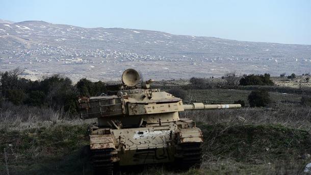 Izraeli bombardon jugun e Sirisë | TRT  Shqip