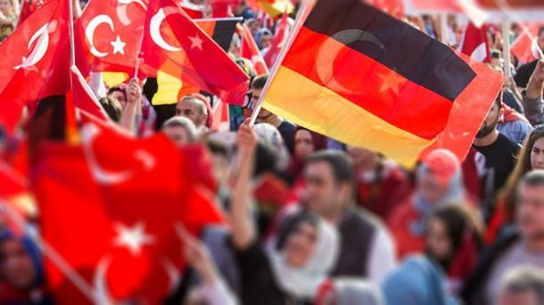 Koment - Marrëdhëniet turko-gjermane në prag të zgjedhjeve në Gjermani | TRT  Shqip