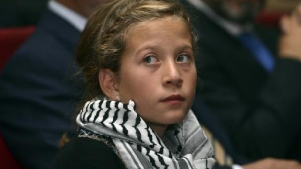 Libération conditionnelle pour une Palestinienne qui a frappé des soldats israéliens
