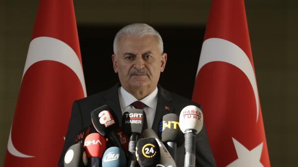 Kryeministri Yildirim: Turqia dënon ashpër masakrën e Izraelit ndaj palestinezëve   TRT  Shqip
