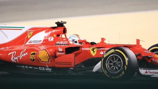 Vettel rast zu neuem Streckenrekord in Barcelona