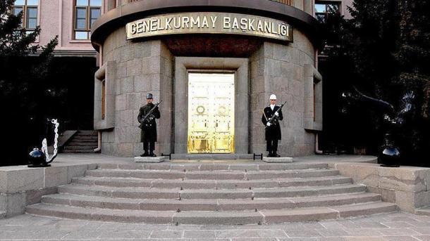 EI divulga vídeo que mostra dois soldados turcos queimados vivos