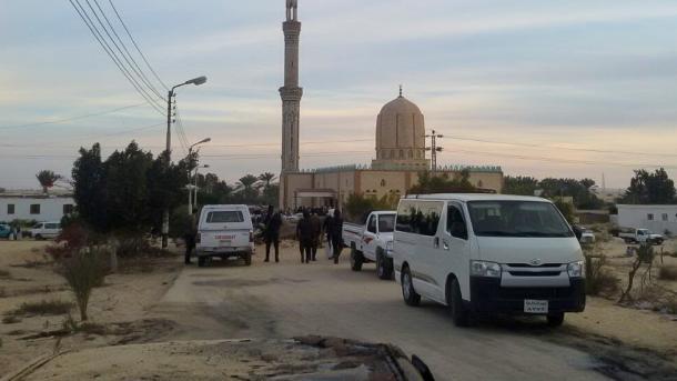 Egjipt – Rritet në 305 numri i të vdekurve nga sulmi ndaj xhamisë në Arish | TRT  Shqip
