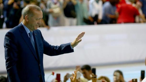اردوغان: سنجمد ممتلكات وزيري العدل والداخلية الأمريكيين في تركيا   TRT  Arabic