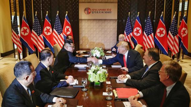 Shënim – Samiti historik Trump-Kim në Singapor, shpresë për paqe dhe denuklearizim | TRT  Shqip