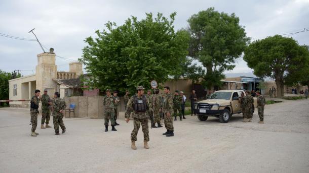 Au moins 100 militaires afghans tués dans l'attaque de — Afghanistan