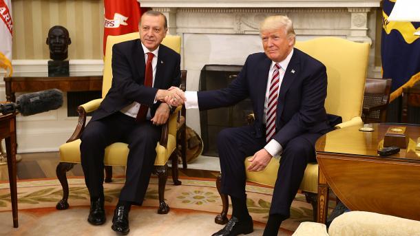 Trump und Erdogan preisen Zusammenarbeit