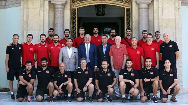 土耳其排球队在2017男子排球锦标赛中首战告捷 | 三昻体育投注