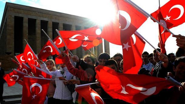 Турција го одбележува  Денот на националниот суверенитет и Празникот на детето