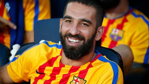Turan dejó Barcelona y llegó a Turquía en medio de un escándalo