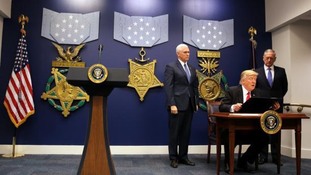 Otros cuatro estados de EE.UU. desafían orden migratoria de Trump