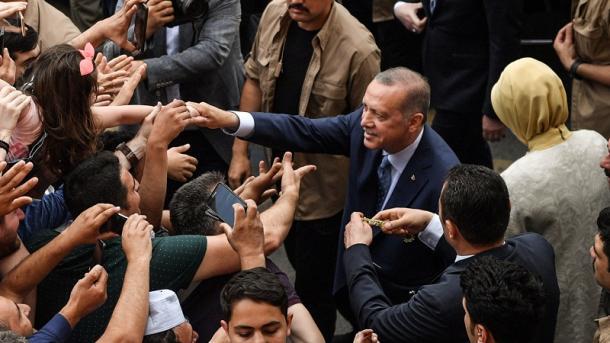 Liderë të shumtë botërorë urojnë presidentin Erdogan për suksesin në zgjedhje | TRT  Shqip