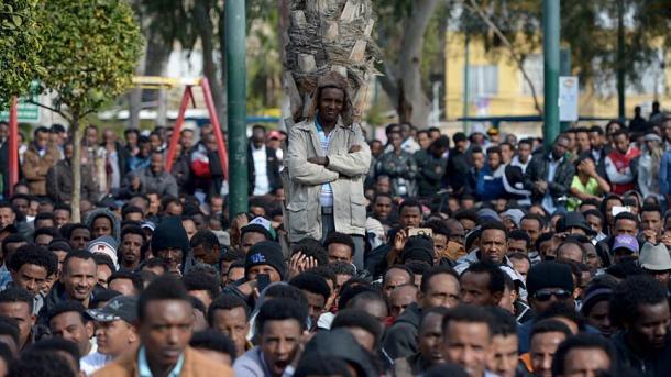 Emprisonnement d'Africains qui refusent de quitter le pays — Israël