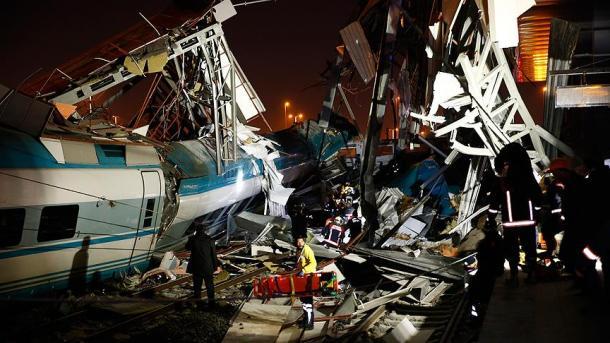 Aksident hekurudhor në Ankara, të paktën 9 të vdekur dhe mbi 40 të plagosur   TRT  Shqip