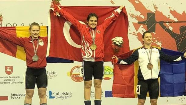 土耳其举重选手查克尼夺得欧洲冠军 | 三昻体育