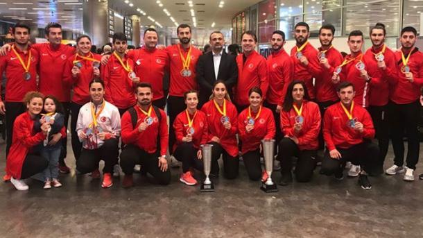 土耳其空手道健将凯旋而归 | 三昻体育官网