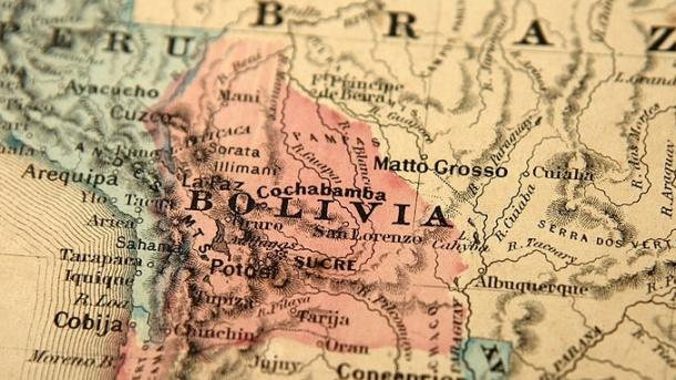 Choque en Bolivia deja 16 muertos