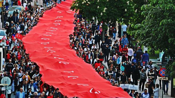 Sot Turqia kremton 100-vjetorin e fillimit të Luftës Çlirimtare | TRT  Shqip