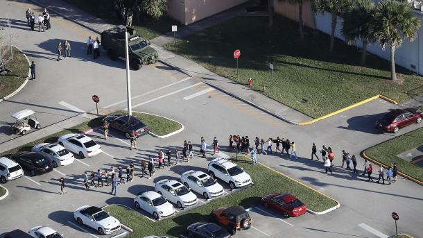 Sulmi me armë në Florida | TRT  Shqip