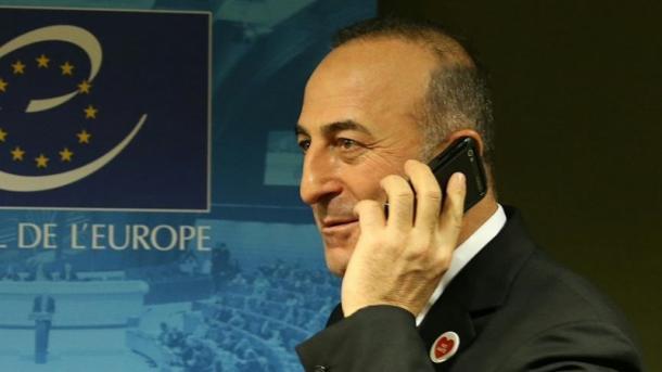 Çavusoglu-Tillerson, bisedë telefonike për pezullimin e ndërsjellë të vizave Turqi-SHBA | TRT  Shqip