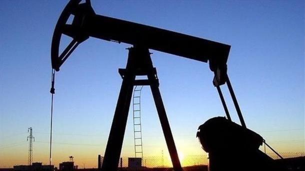 L'AIE voit l'excédent de pétrole perdurer sans action de l'Opep