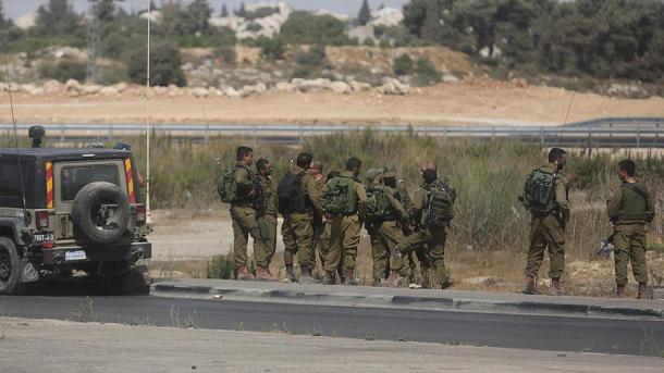 Forcat izraelite vrasin 2 të rinj palestinezë | TRT  Shqip