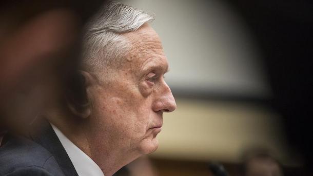 SHBA – James Mattis nënshkruan urdhrin ekzekutiv për tërheqjen e trupave amerikane nga Siria | TRT  Shqip