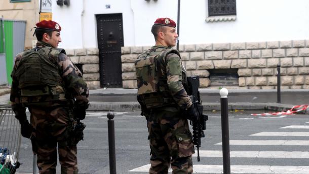 France le minist re de l int rieur ordonne la fermeture for Ministere exterieur france