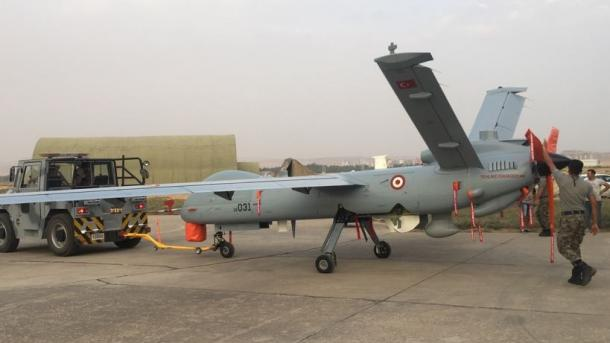 """Ushtria turke merr në dorëzim edhe 2 dronë të tjerë prodhim turk, """"ANKA""""   TRT  Shqip"""
