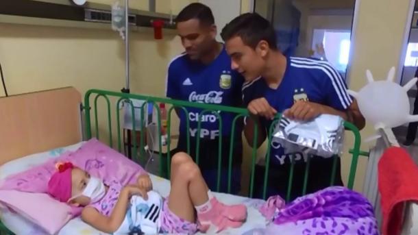 阿根廷球星慰问白血病小患者 | 三昻体育