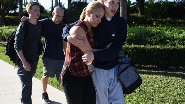 Masakra në Florida – FBI-ja ishte njoftuar një vit më parë | TRT  Shqip