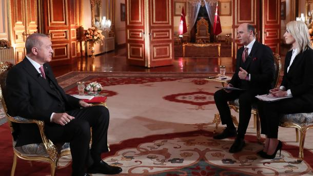Erdogan: Amerika të tregojë miqësinë me Turqinë duke ekstraduar kreun e FETO-s   TRT  Shqip