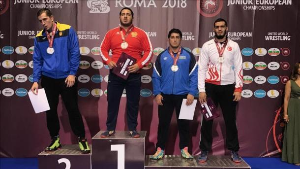 Lutte libre (Junior) : Arif Özen, champion d'Europe en 86 kg