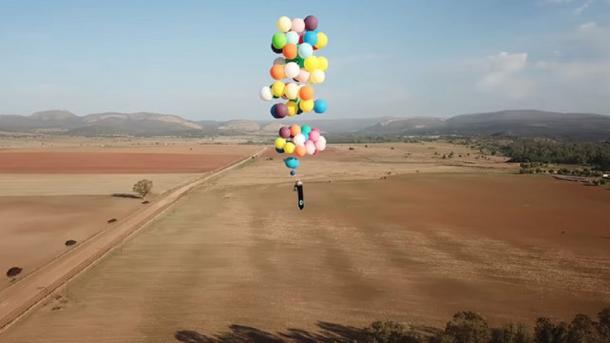 Hombre se ató a globos con helio y viajo 24 kilómetros