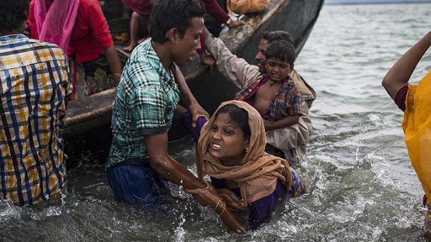 При нападении слона налагерь беженцев-рохинджа погибли 4 человека