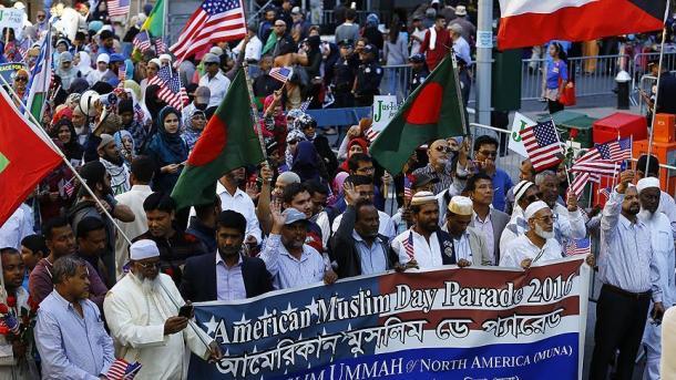 Muslimani New Yorka organizovali veliku paradu na gradskim ulicama