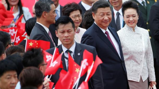 Chinas Kommunisten hoben Xi Jinping auf eine Stufe mit Mao