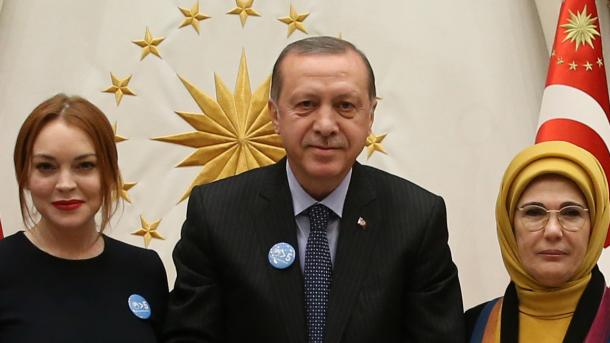 Gespräche über syrische Flüchtlinge | Ex-Kinderstar Lindsey Lohan trifft Erdogan