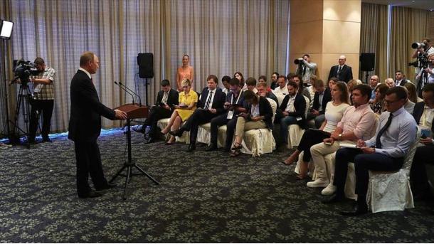 Сейчас ввести миротворцев ООН наДонбасс предлагает РФ