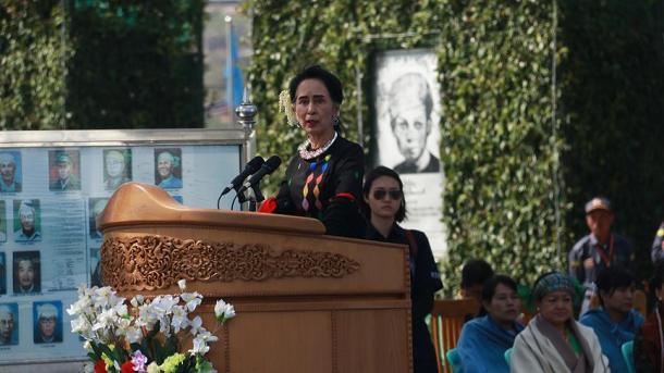 Hunderttausende fordern Aberkennung von Suu Kyis Nobelpreis