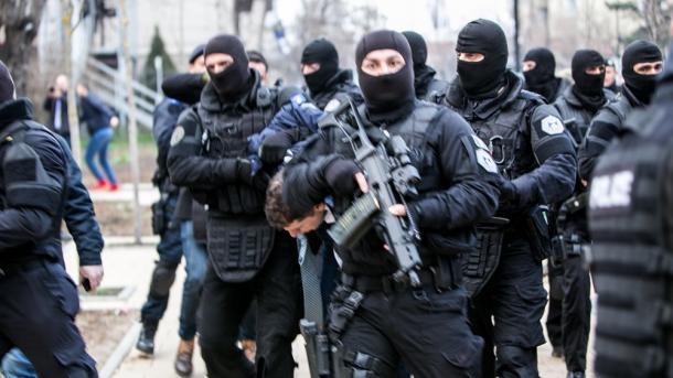 Republika e Kosovës tregon forcën ndaj Republikës së Serbisë | TRT  Shqip