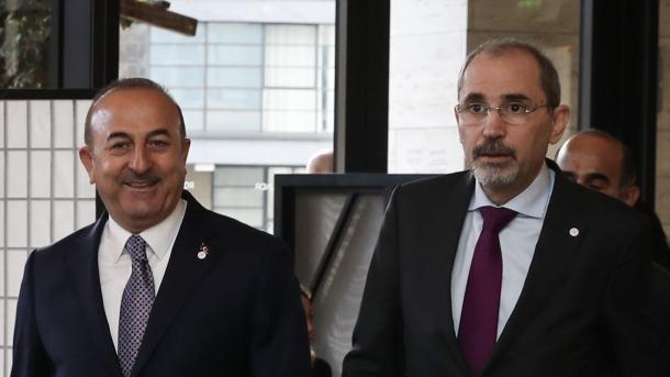 Londër: Takimi Çavusoglu-Hahn mbahet prapa dyerve të mbyllura për media | TRT  Shqip