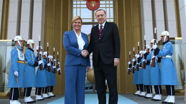 Agjenda Ballkanike-Marrëdhëniet Turqi-Kroaci dhe pasqyrimi i tyre në Bosnje-Hercegovinë | TRT  Shqip