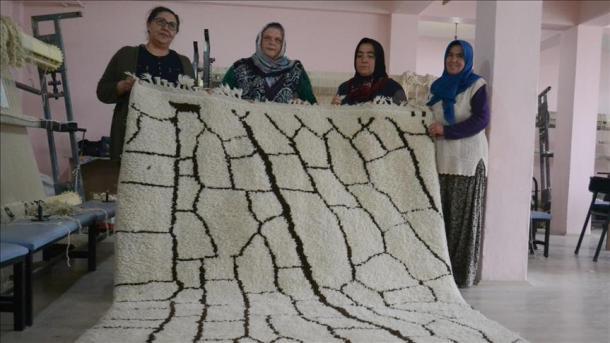 Turquie Tapis Pure Laine D Aksaray Exportes Vers L Europe Et L
