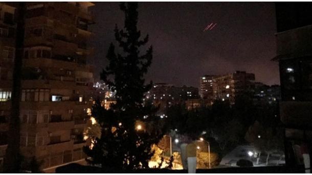 Amerika, Anglia dhe Franca zhvillojnë operacion ajror në Siri | TRT  Shqip