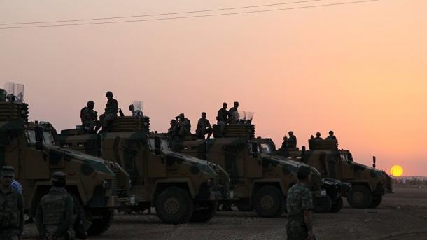 Турция привела войска награнице сСирией вбоевую готовность