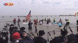 芝加哥举行极地的跳水活动 | 三昻体育