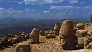 Sanctuarul antic Nemrut Dagi - Muntele Nemrut